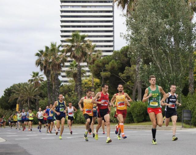 Al paso por el KM1, junto a Jordi Escoriza, Alex y Ernest Sans.
