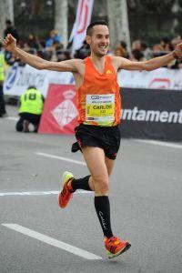 Llegando a meta en La Mitja de Barcelona.