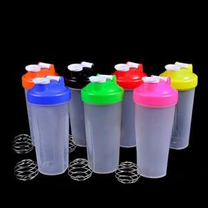 Mezcladores típicos para los batidos de proteínas.